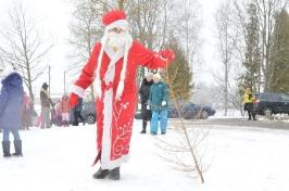 Senioru deju kolektīvs LŪZNAVA piedalījās Meteņdienas pasākumā Ozolaines pagastā 26.02.2017._11