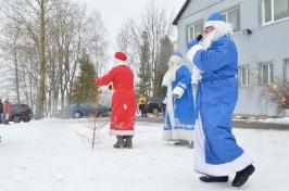 Senioru deju kolektīvs LŪZNAVA piedalījās Meteņdienas pasākumā Ozolaines pagastā 26.02.2017._12