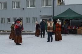 Senioru deju kolektīvs LŪZNAVA piedalījās Meteņdienas pasākumā Ozolaines pagastā 26.02.2017._24