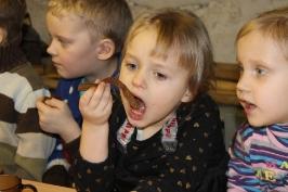 Lūznavas un Ozolaines pagastu bērnudārza audzēkņi apmeklē muzeju Rēzeknē 22.02.2017._36