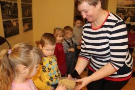 Lūznavas un Ozolaines pagastu bērnudārza audzēkņi apmeklē muzeju Rēzeknē 22.02.2017._7