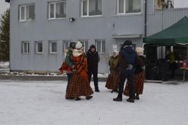 Senioru deju kolektīvs LŪZNAVA piedalījās Meteņdienas pasākumā Ozolaines pagastā 26.02.2017._23