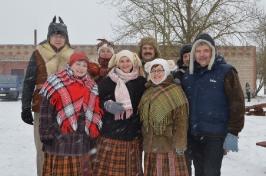 Senioru deju kolektīvs LŪZNAVA piedalījās Meteņdienas pasākumā Ozolaines pagastā 26.02.2017._2