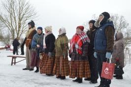 Senioru deju kolektīvs LŪZNAVA piedalījās Meteņdienas pasākumā Ozolaines pagastā 26.02.2017._30