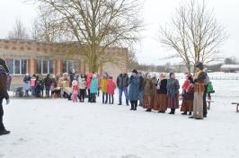 Senioru deju kolektīvs LŪZNAVA piedalījās Meteņdienas pasākumā Ozolaines pagastā 26.02.2017._36