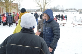 Senioru deju kolektīvs LŪZNAVA piedalījās Meteņdienas pasākumā Ozolaines pagastā 26.02.2017._39